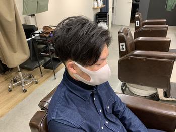 ナチュラルセンターパート メンズ ツーブロック 刈り上げ マッシュスタイル 大阪 なんば メンズサロン メンズ美容室 クフィア